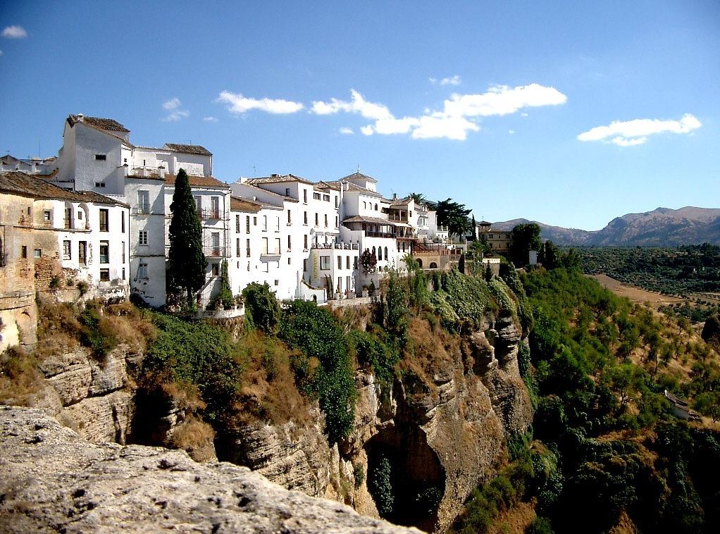 tanie apartamenty hiszpania