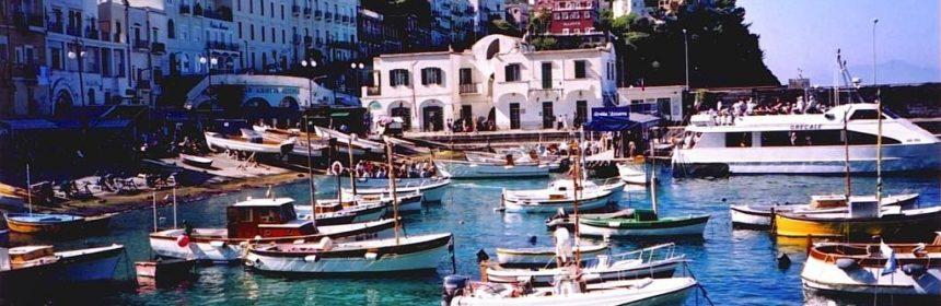 wycieczki neapol samolotem