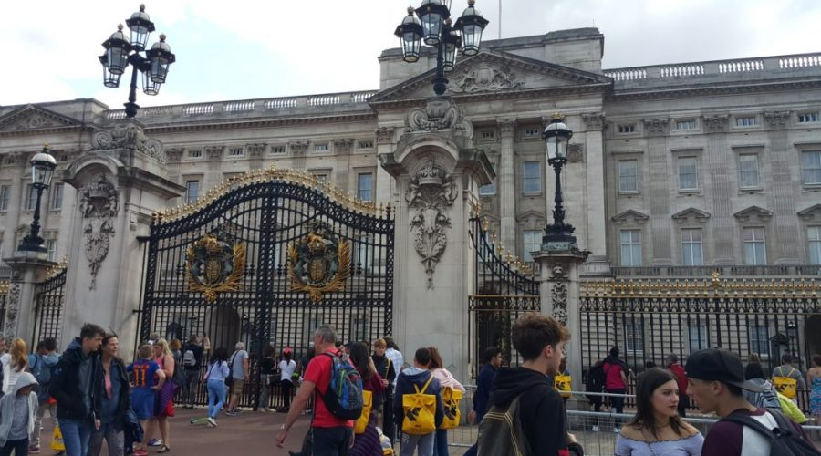 przed Buckingham Palace