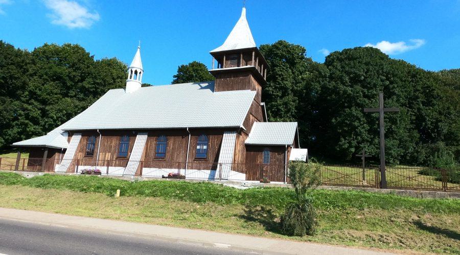 przykład architektury drewnianej uwieczniony podczas wycieczki doZamościa wtrakcie pobytu naRoztoczu