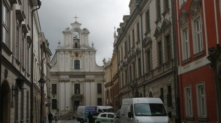zabytkowa ulica św.Jana wKrakowie naStarym Mieście prowadząca doRynku Głównego