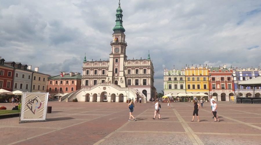 spacer porynku Starego Miasta wZamościu - perle włoskiego renesansu wPolsce orazwpobliżu pięknego Roztocza